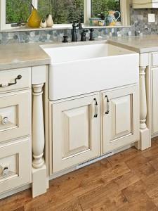 На фотографии акриловая раковина, выполненная для ванной на заказ